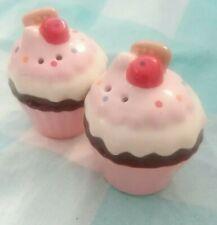 Small Cupcake Salt & Pepper Shaker Collectable Set Ceramic Fun Whimsical