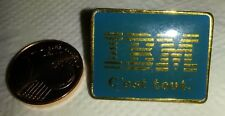 PINS PIN'S IBM C'EST TOUT ORDINATEUR COMPUTER INFORMATIQUE PORT A PRIX COUTANT