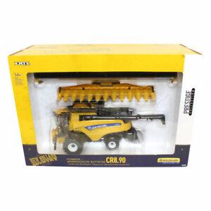 1/32 Prestige Series New Holland Combine CR8.90 with Corn & Grain Heads ERT13874
