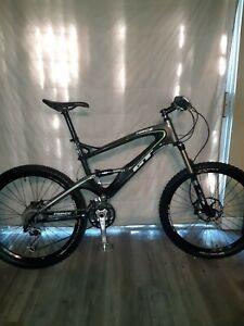 GT Force,XL,Carbon Fiber,Full Suspension Expert Mountain Bike