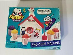 VINTAGE SNOOPY SNO-CONE MACHINE SNOW CONE MAKER 1999 HASBRO
