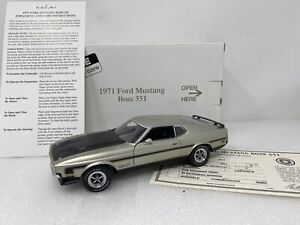 1/24 Danbury Mint 1971 Ford Mustang Boss 351 Light Pewter Metallic