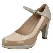 Scarpe da donna bianchi Clarks con tacco alto (8-11 cm)