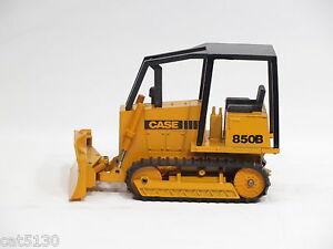Case 850B Dozer - o/c - 1/35 - NZG #176 - No Box