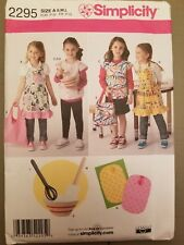 New Simplicity sewing pattern 2295~ Children's cooking aprons and arts/crafts
