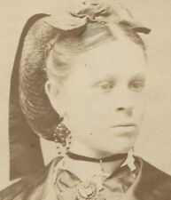 WOMAN WITH REGAL APPEARANCE. JEWELRY AND HAIR LOOK ROYAL. CDV. PITTSBURGH, PA.