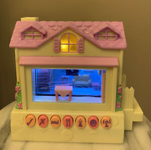Pixel Chix Yellow House 2005 Mattel Toy Working Electronic Home Pink Interactive