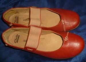 CLARKS Wm Sz 8M RED LEATHER MARY JANES, SOFT CUSHION, Elastic Straps, VG/Exc