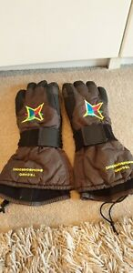 Mens techno Snowboarding Winter Gloves. Fits Large.