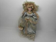 Vecchia bambola in ceramica distribuita da SORINI Spa Vintage in porcellana