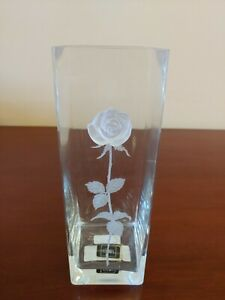 Mikasa Endless Love Crystal Vase With Frosted Etched Stem And 3D Rose