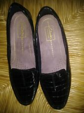 Clarks Loafers Shoes Womens Sz 8.5 wide Alligator Patent Leather Black Slip On