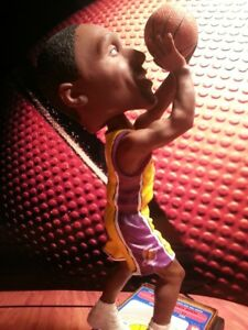 Los Angeles Lakers Limited Edition Kobe Bryant BOBBLEHEAD NEW #260 OF 5004