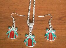 Parure argentée cadeau rouge et vert