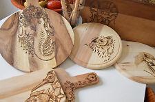 Frühstücksbrett Schneidebrett woodburning art Holz Vogel mit Fisch