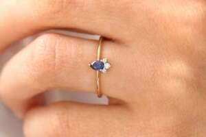 Blauer Saphir Ring 0,25ct Tropfen Schliff 14K 585 Gold & 3 Brillanten 0,06ct VS