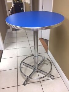 "VITRO 30"" ROUND TABLE WITH CHROME BASE"