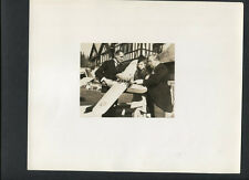 IDA LUPINO WITH MODEL AIRPLANE - 1937 CANDID IN EXC COND - DOUBLEWEIGHT VINTAGE
