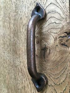 BEAUTIFUL SMALL ARTS AND CRAFTS STYLE CAST IRON DOOR HANDLE DRAWER PULL ACC
