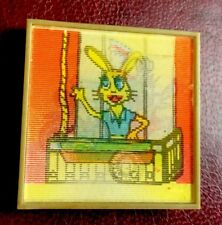 USSR NU, POGODI Wolf Hare Cartoon Pin Badge BADGE wackelbild 3-d Lenticular -