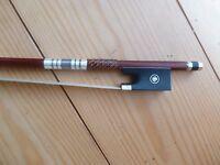 Pernambuco archet de violon, octogonal bâton, Fort Mais Light, ébène grenouille,
