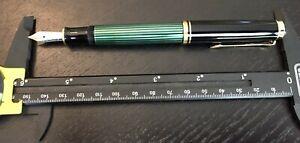 Pelikan Souveran M600 Fountain Pen Green & Black 14K Nib.
