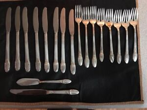 1847 Rogers Bros silverplate flatware 18 pc lot Forks,knives, first love pattern