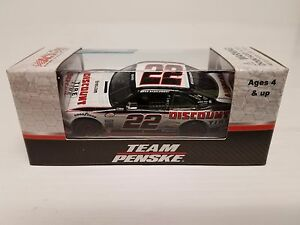 Brad Keselowski 2017 Lionel #22 Discount Tires Ford Mustang 1/64 Diecast FREE