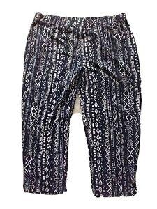 Susan Graver Urban Print Cropped Liquid Knit Pant