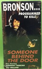 SOMEONE BEHIND THE DOOR VHS 1993 Charles Bronson Anthony Perkins Jill Ireland
