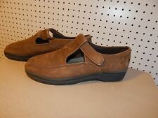 Womens Easy Spirit shoes - Vernon - brown - - size 12
