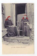 SUISSE SWITZERLAND Canton du VALAIS FILEUSES à VAL D'ILLIEZ foulards rouges
