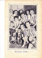 SOUTHAMPTON TEAM GROUP EARLY 1960S MULTI HAND SIGNED