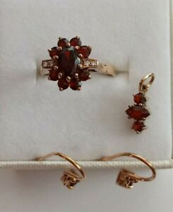 9Kt Gold Natural Garnet Ring, Earrings and Pendant Set