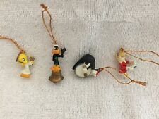 WARNER BROTHERS LOONY TOONS MIN. ORNAMENTS: TWEETY SYLVESTER DAFFY & LOLA-4 TTL