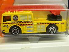 Matchbox MBX FIRE RIG Fire Truck Yellow 72/100 - 2014 MOMC Very Nice Fire Truck*
