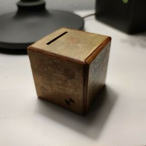 VINTAGE WOODEN PUZZLE DICE BANK BOX WITH DECORATIVE DOTS