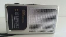 Transistor Radio AM/FM. Working.