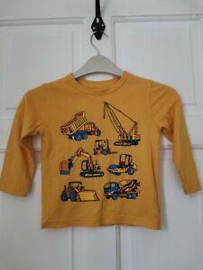 Boy's GAP T-shirt. Yellow/diggers. 3 years. Fast Post!!