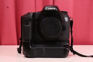 Canon EOS 7D 18.0 MP DSLR Camera Body Only w Grip 32k Shuttercount