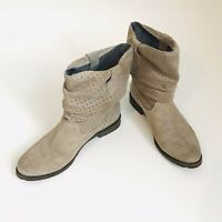 OTBT Poulsbo Sz 8.5 Beige Suede Plain Toe Pull-On Slouch Ankle Boots Womens