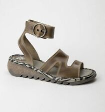 Sandali e scarpe FLY London Piatto (Meno di 1,3 cm) per il mare da donna