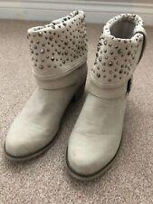 Ladies Boots Size Uk 4 New