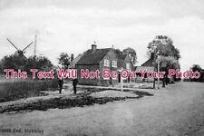 BU 335 - South End, Stewkley, Buckinghamshire - 6x4 Photo