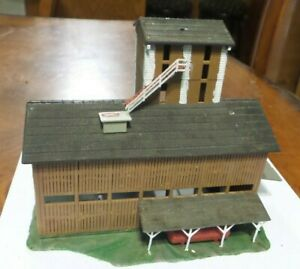 """HO Scale POLA  Lumber Company 6 1/2"""" x 3 1/2 x 5"""" Building Excellent Cond-BUILT."""