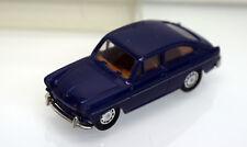 Brekina H0 26201 VW 1500 Stufenheck, dunkelblau mit Zierleisten