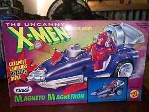 The Uncanny X-Men Magneto Magnetron Toy Biz 1991