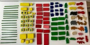 Vintage Small Toy Blocks Animal Houses Unmarked 100+ Pieces