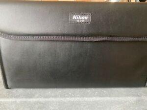 Nikon R1C1 Close Up Speedlight Flash with Commander SU-800 Kit