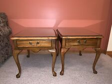 Set Of Two Thomasville Queen Anne Oak End/side Tables With Glass Top-night Stand